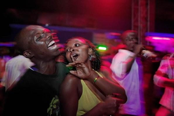 nachtclub Afrikaanse seks in Hulst