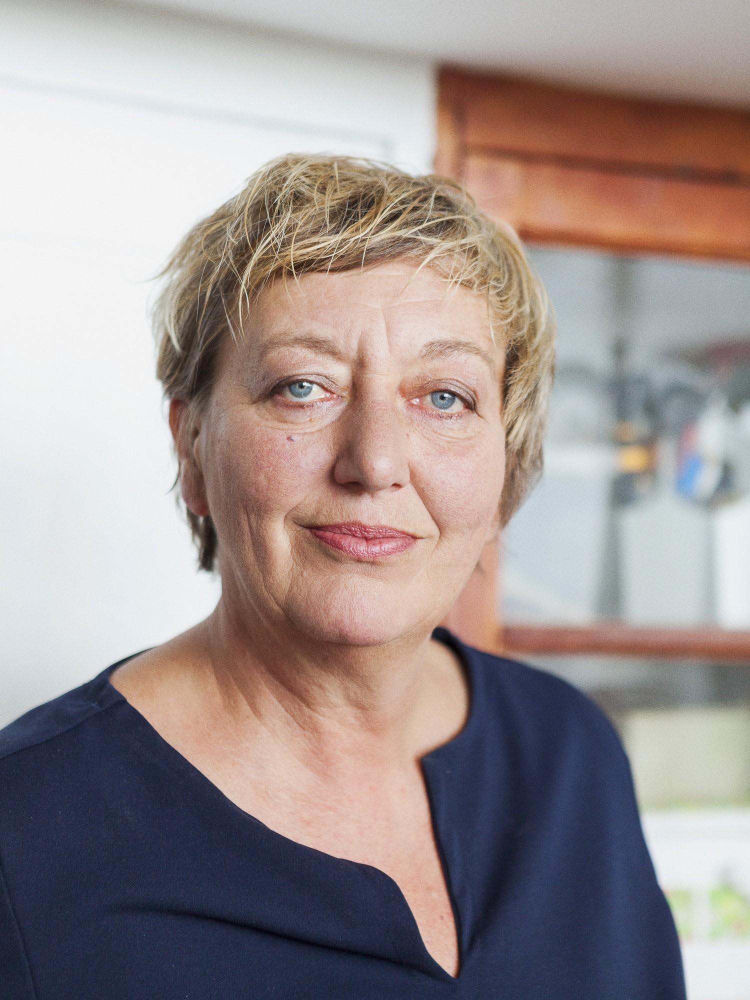yvonne drge karlsruhe 1961 trouwde in 1992 met een kastje vervaardigd door de firma wendel dat op de slaapkamer van haar moeder had gestaan