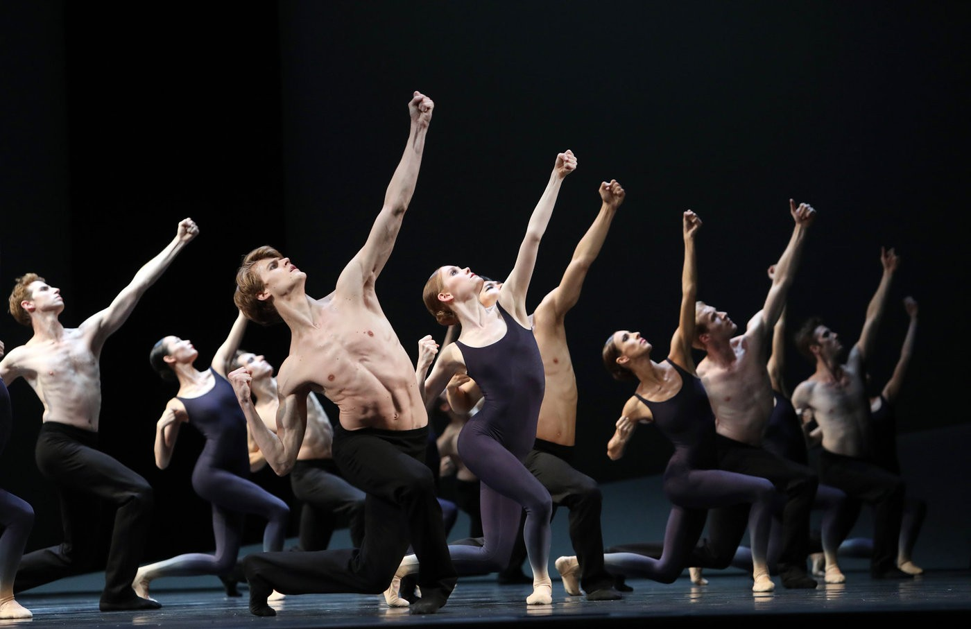 Medium het 20nationale 20ballet 20  20requiem 20  20foto 20hans 20gerritsen 206sep2758