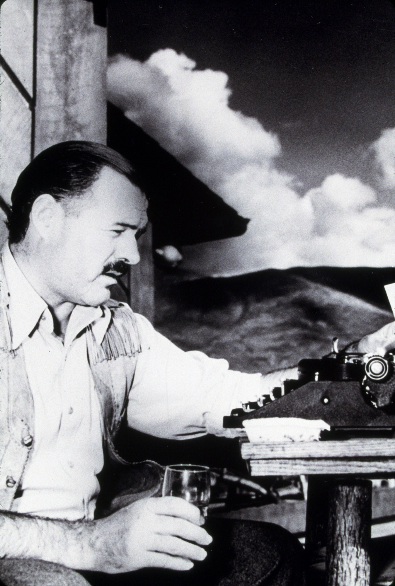 ernest hemingway 4 essay Research paper, essay on ernest hemingway free study resources: free term papers and essays on ernest hemingway we are offering free complimentary access to thousands of free essays and term papers on almost every subject imaginable.