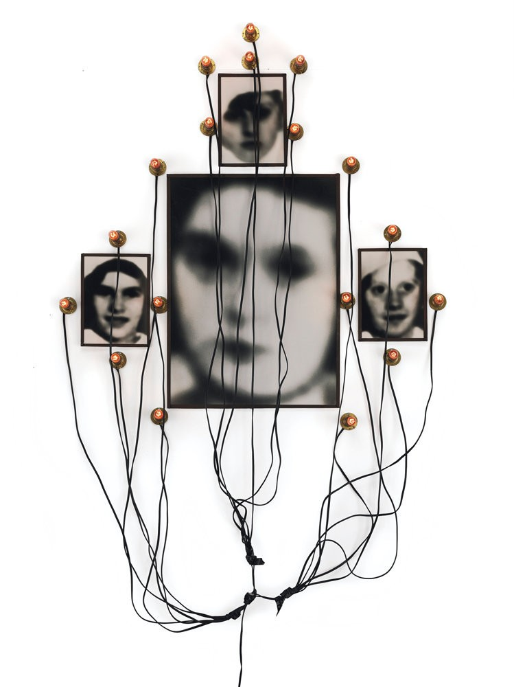 Medium roos christian boltanski monument to odessa  1991  collectie hunting