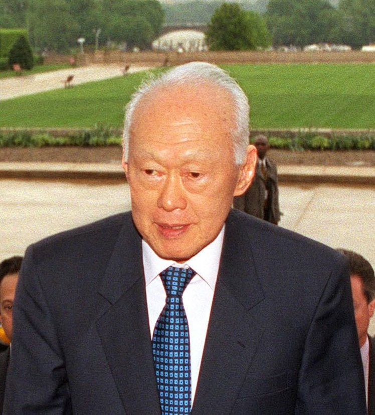 Medium lee kuan yew