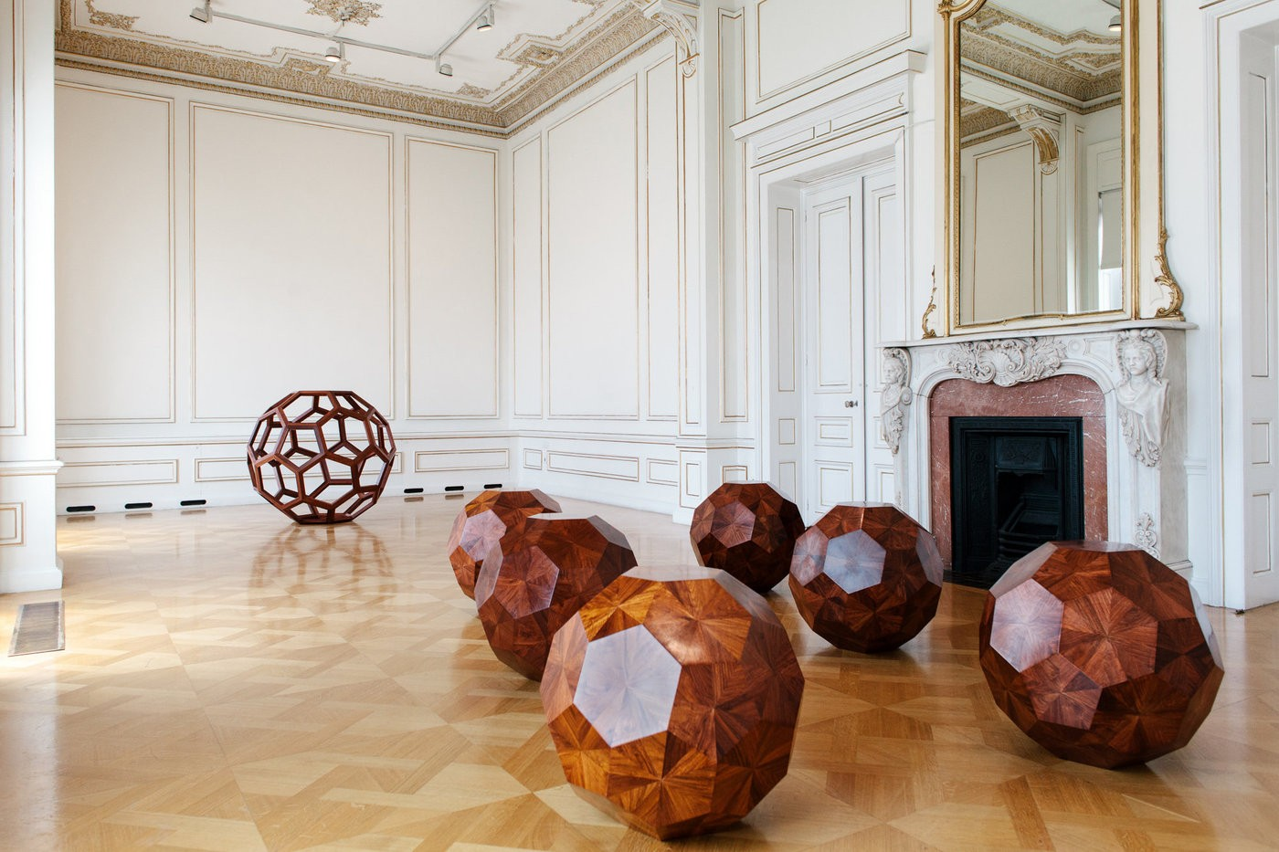 Medium ai 20weiwei 20divina 20proportione 2c 202012 20huali 20wood 2c 20 c3 b8 20130 20 2070 20cm 20photo 20paris 20tavitian 20 c2 a9museum 20of 20cycladic 20art