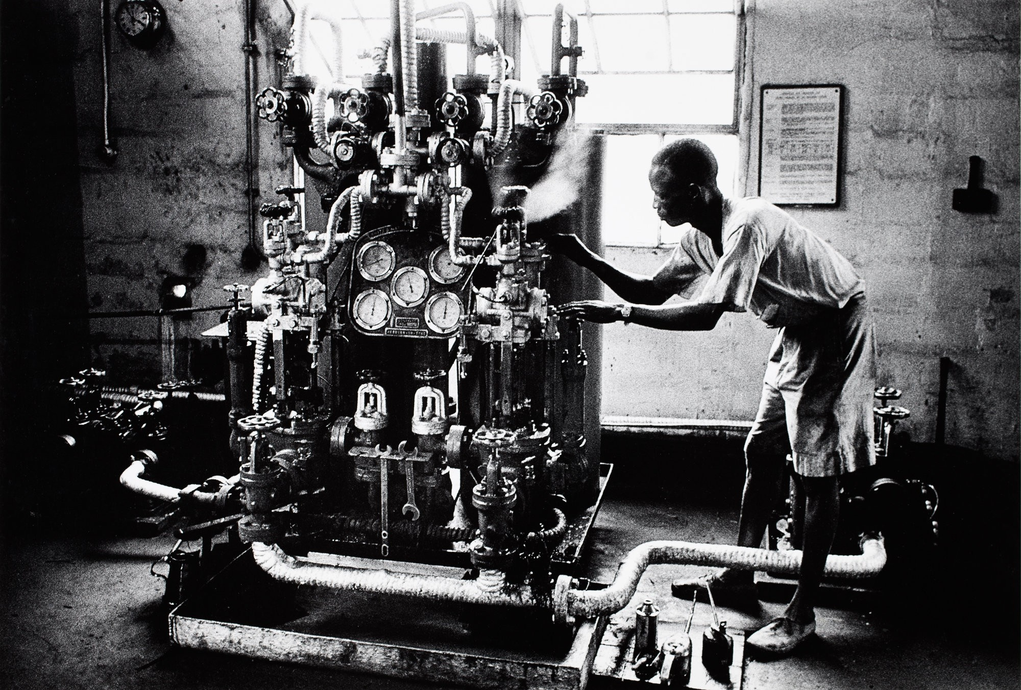 Large 2. ed van der elsken   man with machine  durban  1959